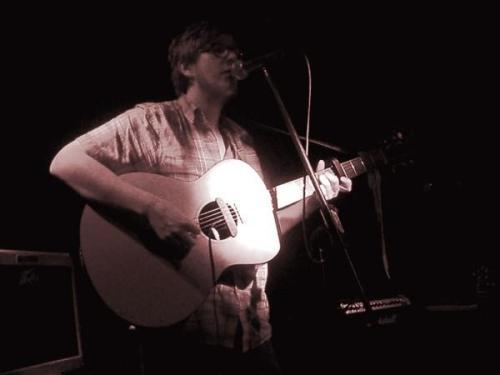 Hlynur Gudjonsson (performing)